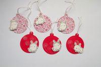 Bílý třpytivý králíček na červené vánoční vzorované či potištěné jmenovce - sada 6ks,3D efekt