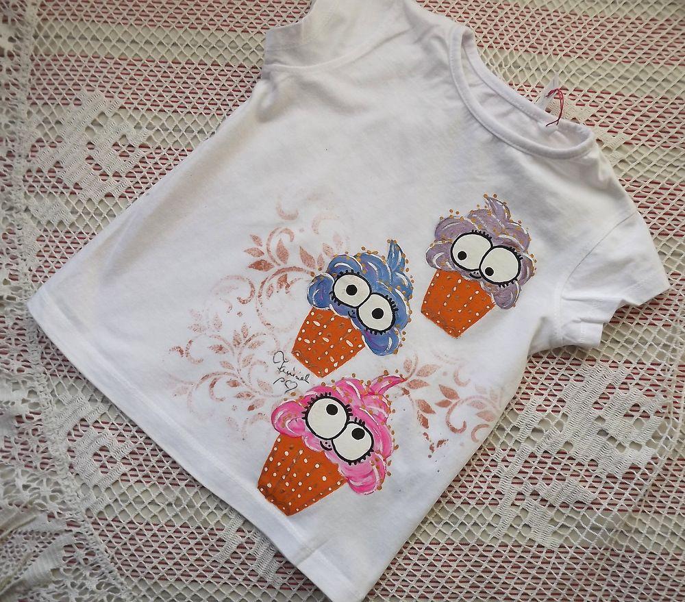 Veselé,barevné, lákavé zmrzlinky ručně namalované na dívčím bavlněném tričku ve velikosti 92