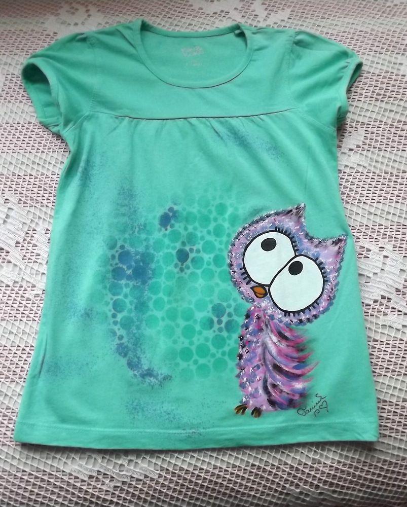 Zelené nabírané bavlněné tričko s krátkými rukávy a ručně namalovanou veselou fialovorůžovou sovou - velikost 122