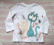 Modrozelená kočka na bílém 98