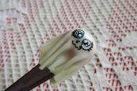 Duch 6 - lžička se svítící plastikou FIMO ducha v prostěradle