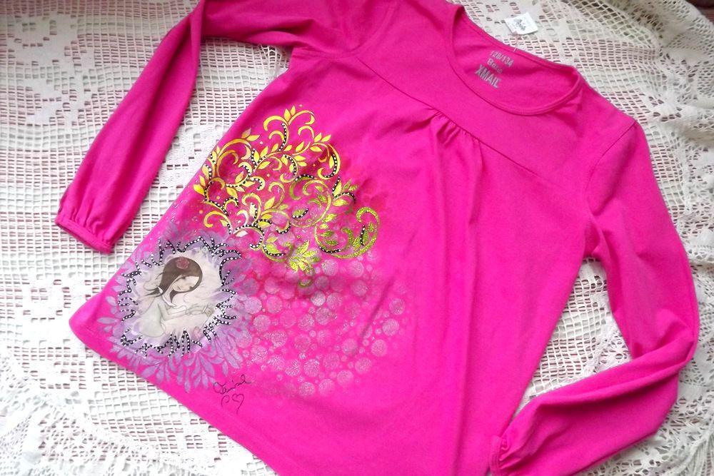 Dívenka se srdíčkem - růžové tričko s dlouhým rukávem, nabírané na hrudníku, plastická aplikace a tisk. velikost 128