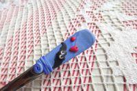 Netopýr 2. ručně modelovaný na dlouhé lžičce