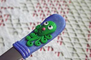 Octopus 1 - veselá ručně malovaná dlouhá lžička s chobotníci