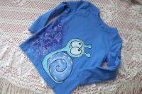 Šnek 1. ručně malovaný na modrém tričku s dlouhým rukávem velikost 98