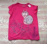 Na růžovém tričku