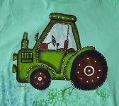 Mátové tričko s ručně malovaným zeleným traktorem. velikost xs