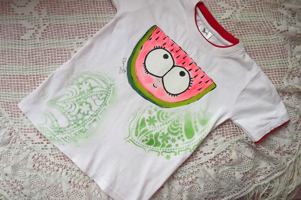 Veselý meloun ručně malovaný na bílém bavlněném tričku s vrstveným efektem,velikost 128