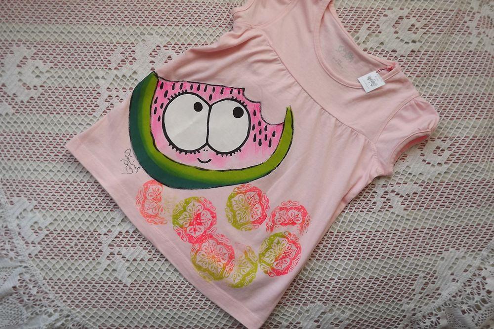 VEselý šťavnatý meloun na dívčím růžovém nabíraném tričku velikost 104