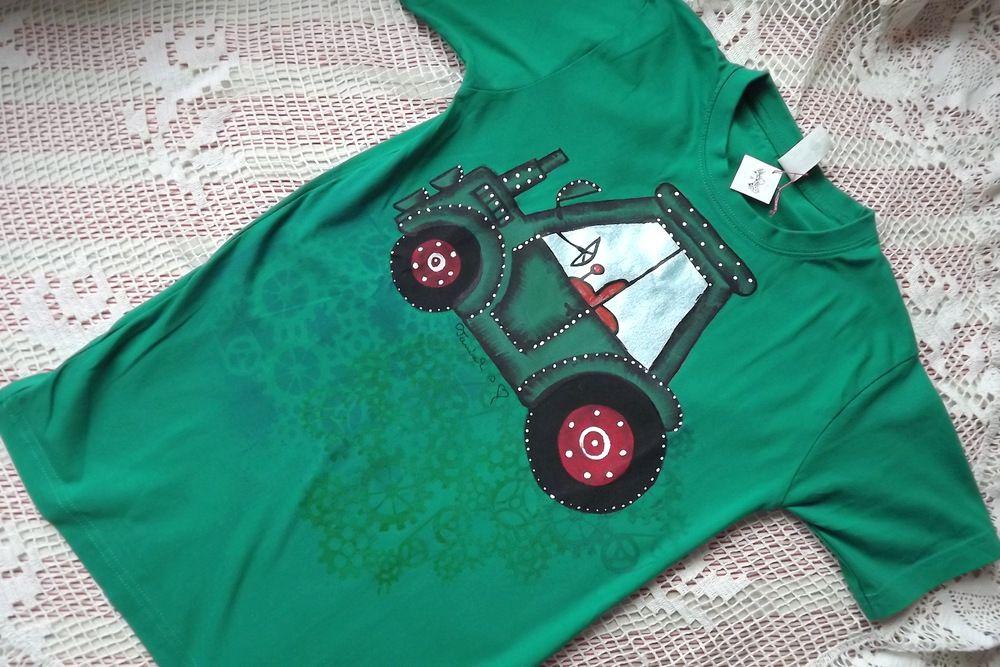 S červenými koly - zelený traktor na zeleném tričku - velikost 146