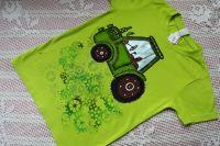 Zelený 2. - ručně malovaný traktor na zeleném bavlněném tričku velikost 134