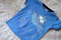 Netopýr 1. ručně malované modré bavlněné triko s vrstveným efektem u krku a rukávů velikost 116