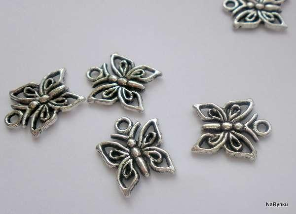 Motýl- přívěsek perforovaný - kov, filigrán, vhodný pro výrobu šperků, scrapbooking, cardmaking