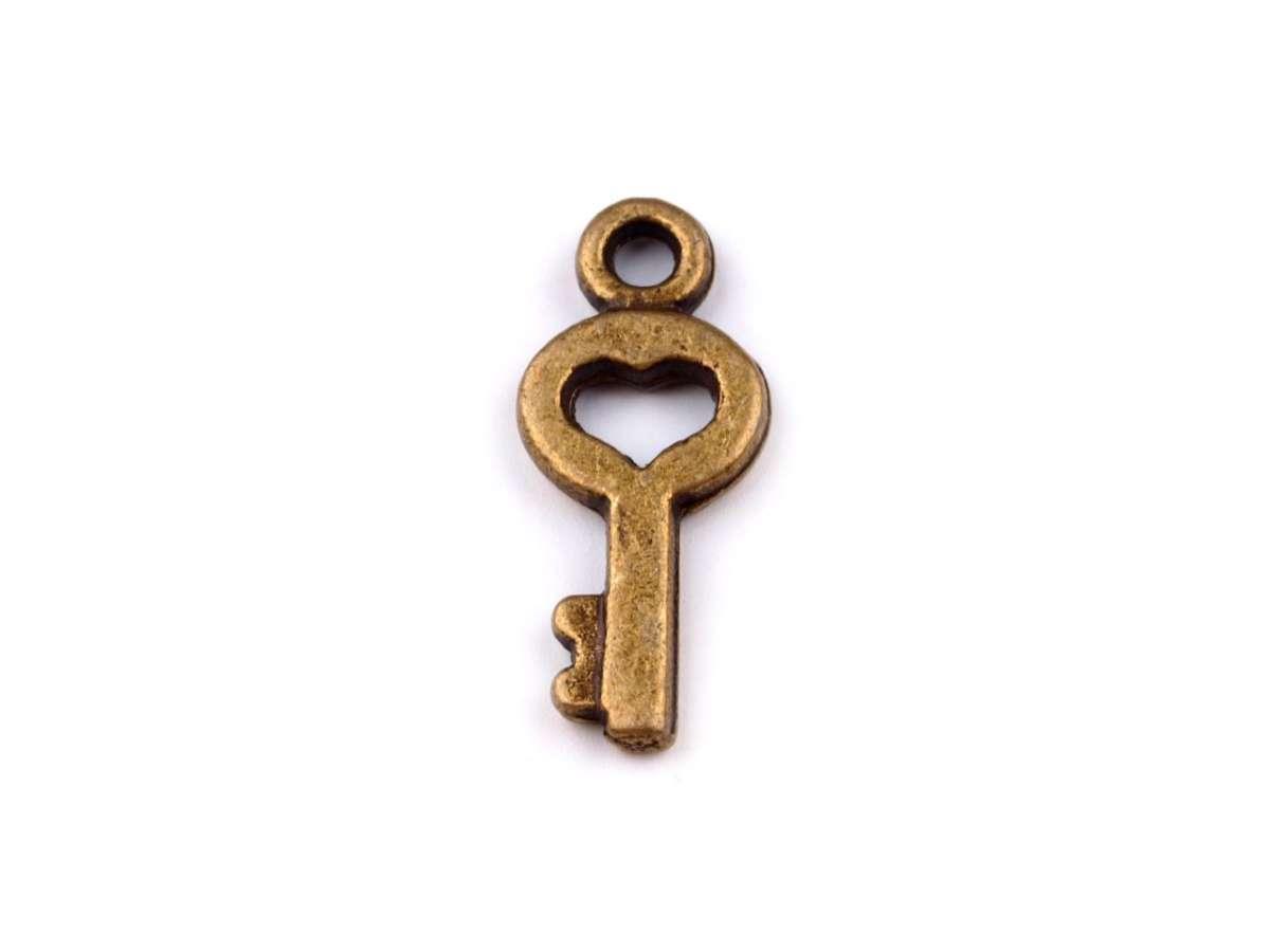 Malý klíček- přívěsek - kov, staromosaz, vintage, starobylý styl, výroba šperků, cardmaking, scrapbook