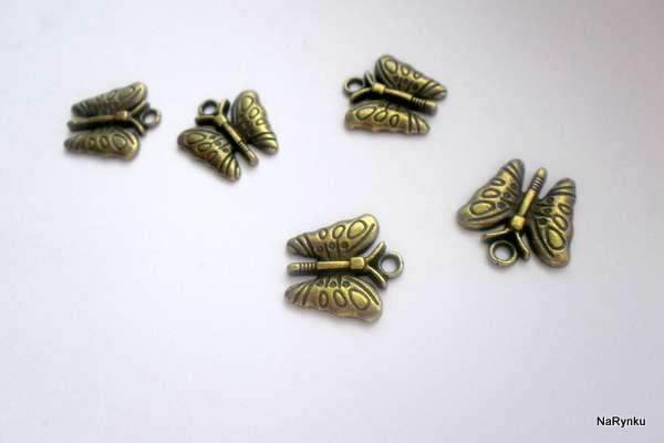 Motýlek - přívěsek k dalšímu použití - kov, staromosaz, vintage, starobylý, výroba šperků, cardmaking, scrapbook