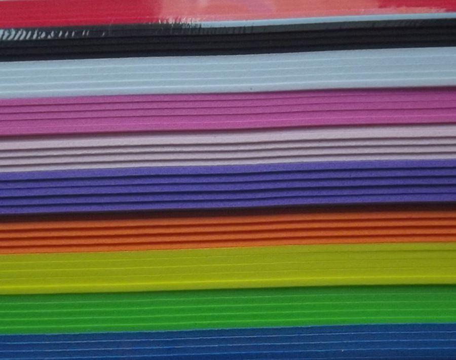 Arch 22x30cm pěnové gumy fialové barvy