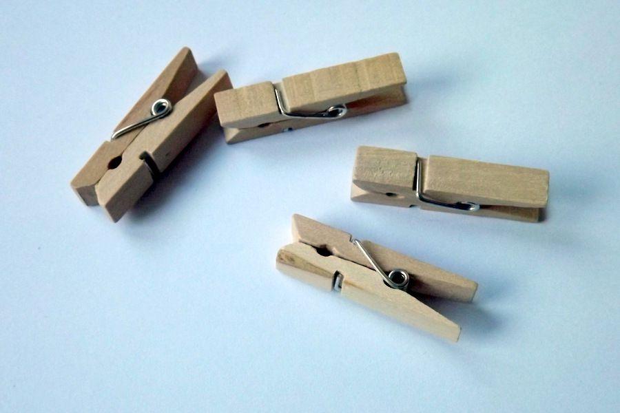 Dřevěné nelakované kolíčky cca 3,5 cm dlouhé