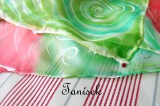 """Hedvábný šátek ručně malovaný s červeným ibiškem Veronika """"Tanísek"""" Kocková"""