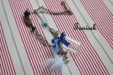 """Zdobený náhrdelník s lahvičkou na tajnosti - modrá mašlička, korková zátka, přívěsky lístečky, víla, anděl, bílé peříčko, korálky, originální dárek pro holčičku, pro děvčátko, pro dívku Veronika """"Tanísek"""" Kocková"""