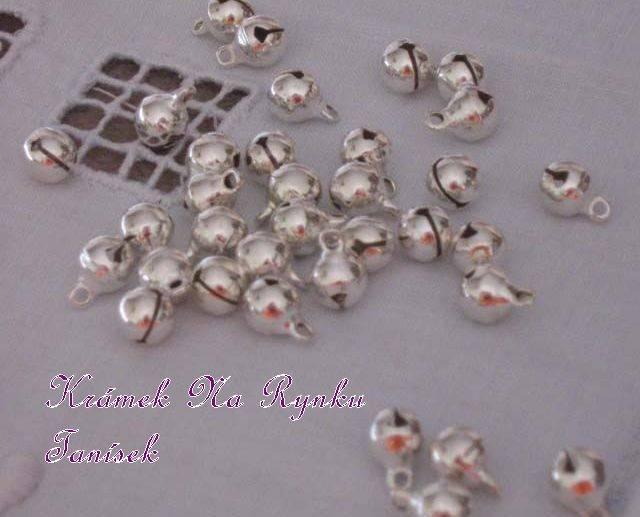 Malinká, minirolnička, zvonivá, jemná, cinkající, vhodná pro výrobu šperků, dekorací, vánoce, scrapbook, cardmaking, roztomilá rolnička, rolničky