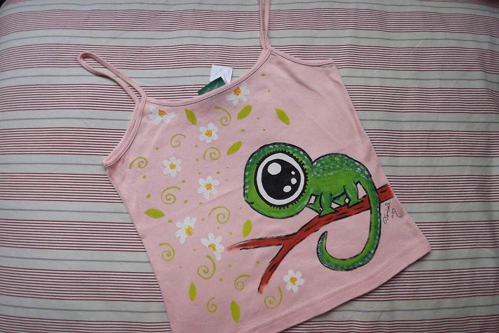 """Zelený chameleon na růžovém tílku Veronika """"Tanísek"""" Kocková"""