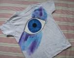 Oko zasněné šedé