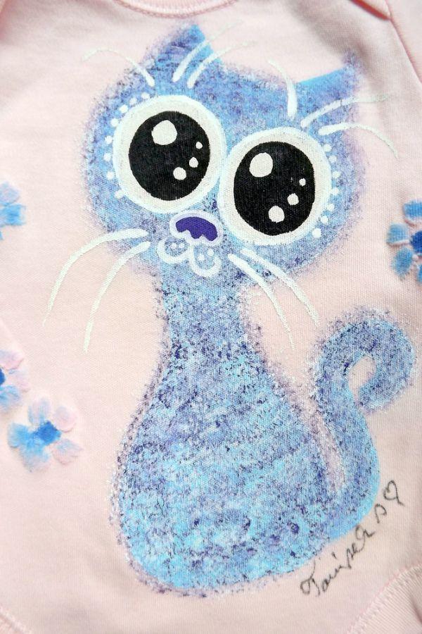 """Ručně malované růžové body s dlouhým rukávem - modrofialová veselá okatá kočka kočička velikost 62 Veronika """"Tanísek"""" Kocková"""