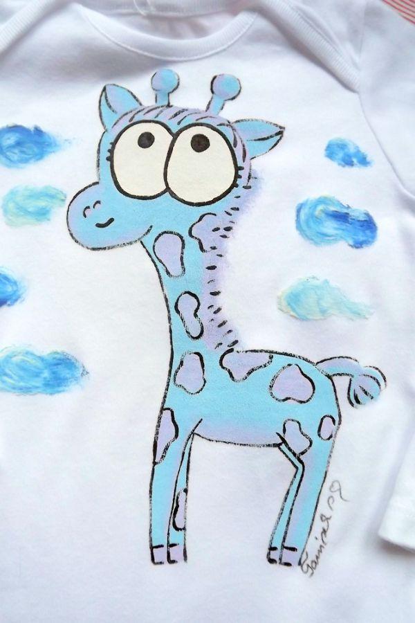 """Bílé body s dlouhým rukávem s ručně namalovanou žirafou žirafkou Veronika """"Tanísek"""" Kocková"""