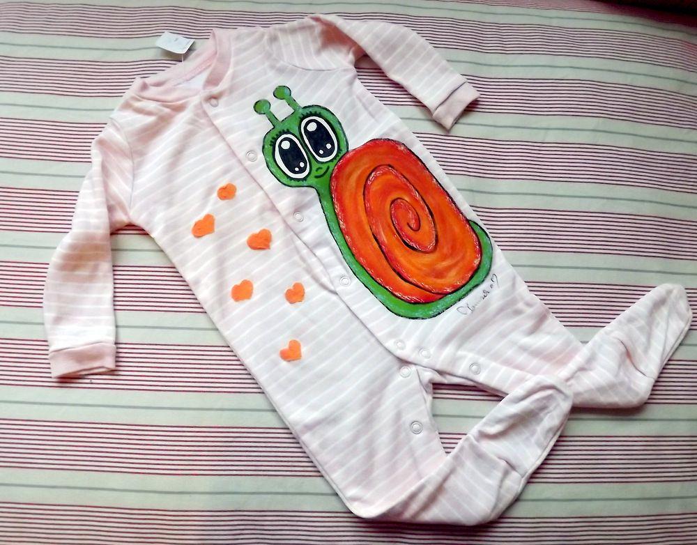 """Šnek s oranžovou ulitou - 100% bavlněný overal - růžový s bílými proužky, ručně malovaný Veronika """"Tanísek"""" Kocková"""