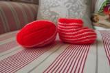 Ručně pletené červenobílé pruhované capáčky botičky pro miminko Itka