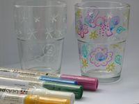 Dílna, workshop, kurz pro děti, pro dospělé. Malba skleničky dle vlastní fantazie. V ceně je vedení lektora, materiál doprava. Vhodné pro školy, školky, družiny, dny dětí, slavnosti a další Ateliér Na Rynku