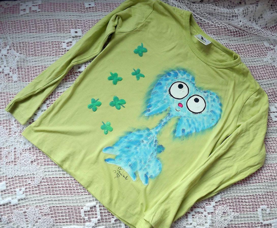 """Modrý chlupatý králík - Teddy beran - Světle zelené triko ručně malované s dlouhým rukávem 100% bavlna - velikost 140 střih unisex, čtyřlístky plastické, cute, Veronika """"Tanísek"""" Kocková"""