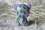 """Mutipoň pastelově fialový - levandulový - fimo - kočka kočička kocour tygr - ručně modelovaný a malovaný pro radost, pro štěstí Do dlaně Veronika """"Tanísek"""" Kocková"""