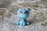 """Mutipoň pastelově modrý - nebeský - fimo - medvídek medvěd méďa- ručně modelovaný a malovaný pro radost, pro štěstí Do dlaně Veronika """"Tanísek"""" Kocková"""