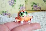 """Mutipoň pastelově oranžový fimo pavouček chobotnice ručně modelovaný a malovaný pro radost, pro štěstí Do dlaně Veronika """"Tanísek"""" Kocková"""