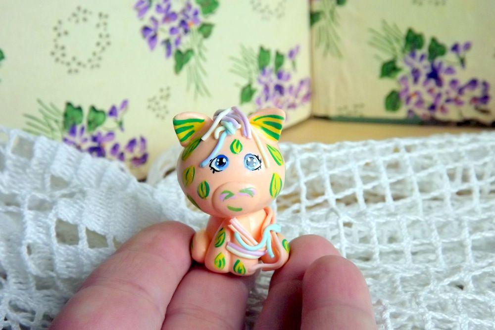 """Mutipoň pastelově oranžový fimo prasátko poník ručně modelovaný a malovaný pro radost, pro štěstí Do dlaně Veronika """"Tanísek"""" Kocková"""