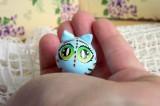"""Mutipoň pastelově modrý fimo kocour kočka ručně modelovaný a malovaný pro radost, pro štěstí Do dlaně Veronika """"Tanísek"""" Kocková"""