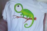 """Zelený chameleon - bílé 100% bavlněné tričko - krátký rukáv - ručně namalované velikost XXXL - 3XL Veronika """"Tanísek"""" Kocková"""