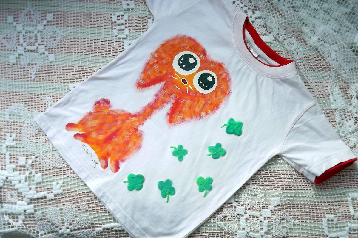 """Oranžový králík Teddy beran ručně namalovaný na bílém 100% bavlněném tričku - velikost 128 střih unisex, čtyřlístky plastické Veronika """"Tanísek"""" Kocková"""