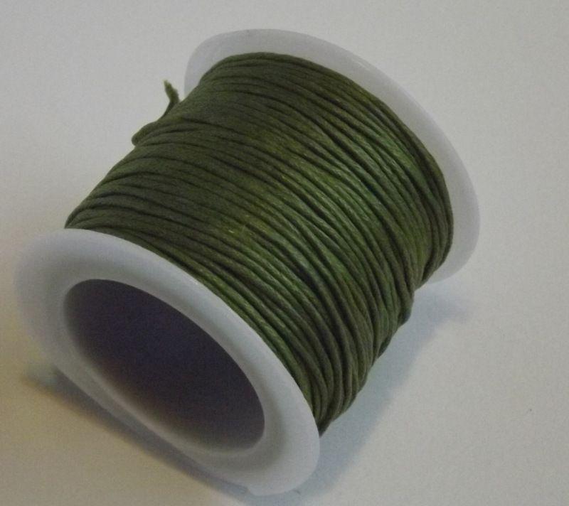 Bavlněná voskovaná šňůrka zelená - návlekový materiál pro tvorbu šperků, dekorací, vhodná pro scrapbook, cardmaking, 1mm průměr