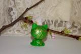 """Zelená vodnická kočka kočička se zlatými ornamenty a velikýma zelenýma očima.Figurka - zvířátko ručně modelované a malované v České Republice v Plzni. Roztomilý dárek pro každou příležitost. Dárek - amulet - do dlaně Veronika """"Tanísek"""" Kocková"""