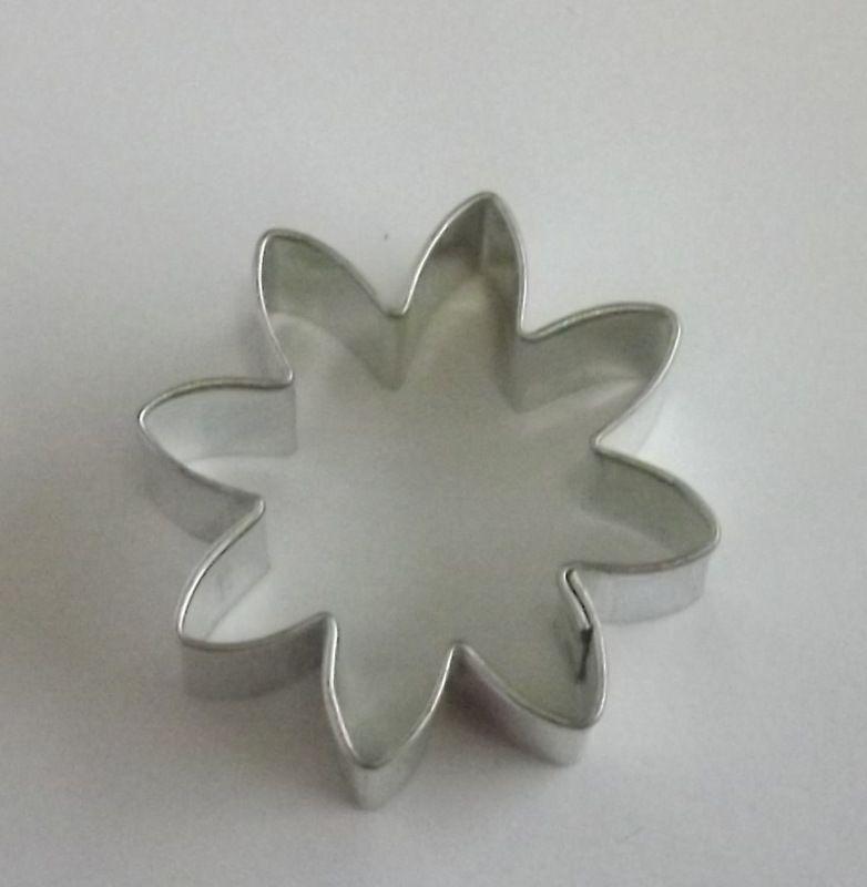 Kopretina - Kovové vykrajovátko - vykrajovačka vhodné pro práci s polymery (fimo, cernit, sculpey, Premo, Kato Polycay), těstem, voskem, mýdlem