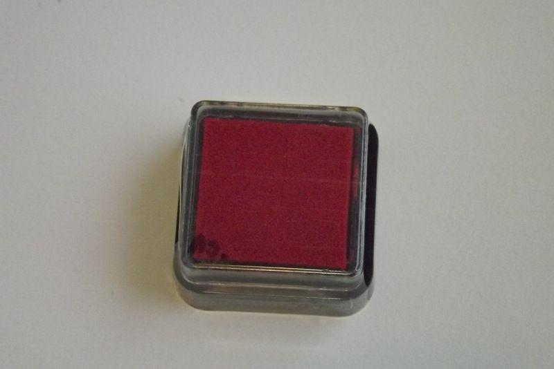 Červený razítkovací polštářek - vhodný pro scrapbook, cardmaking, práci s dětmi, do škol,