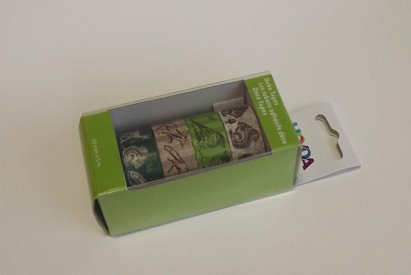 Sada papírových washi pásek s kovovým oddělovačem ve funkční krabičce - pro tvorbu scrapbooking, cardmaking, koláže, dekorování šesitů, alb, přání - veverky, ptáci, ptáčci, lišky, srnky, laně, žaludy, hnědá, zelená, přírodní, nature