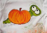 Koukám vlevo ručně malované tričko s červíkem a jablíčkem tričko velikost 92