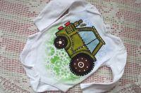Zelený traktor dr 68 - ručně malované body s dlouhým rukávem