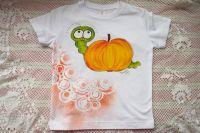 Bílé tričko s jablíčkem a housenkou 122 Adler