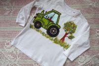 Bílé tričko s ručně malovaným zeleným traktorem - velikost od výrobce udaná 92-98